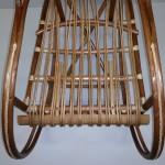 Вид на сиденье с набитыми прутьями